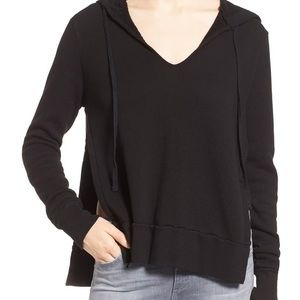 Pam & Gela side slit v-neck hoodie back Small